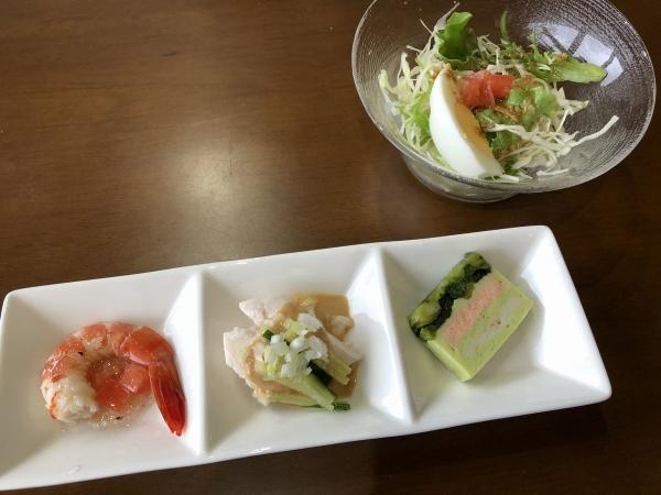海龍前菜とサラダ
