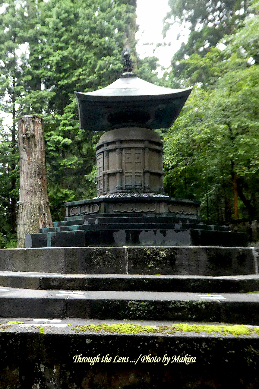 奥社宝塔(御墓所)TZ2