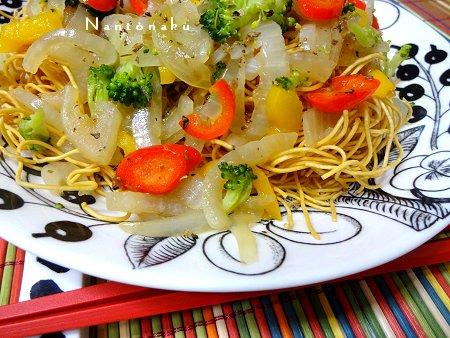NANTONAKU 10-23  買い置き20円パリ麺で作る パリパリ野菜麺 2
