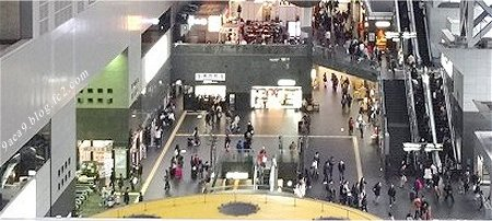 京都駅の 人混み