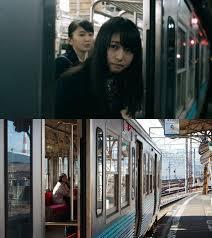 「アイツ」を待ったのに電車が発車してしまった時の場面。