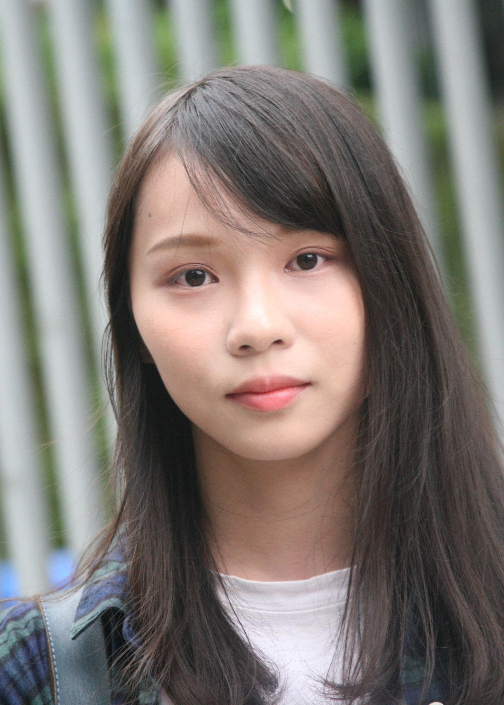 Agnes_Chow_on_Tim_Mei_Avenue_(cropped).jpg