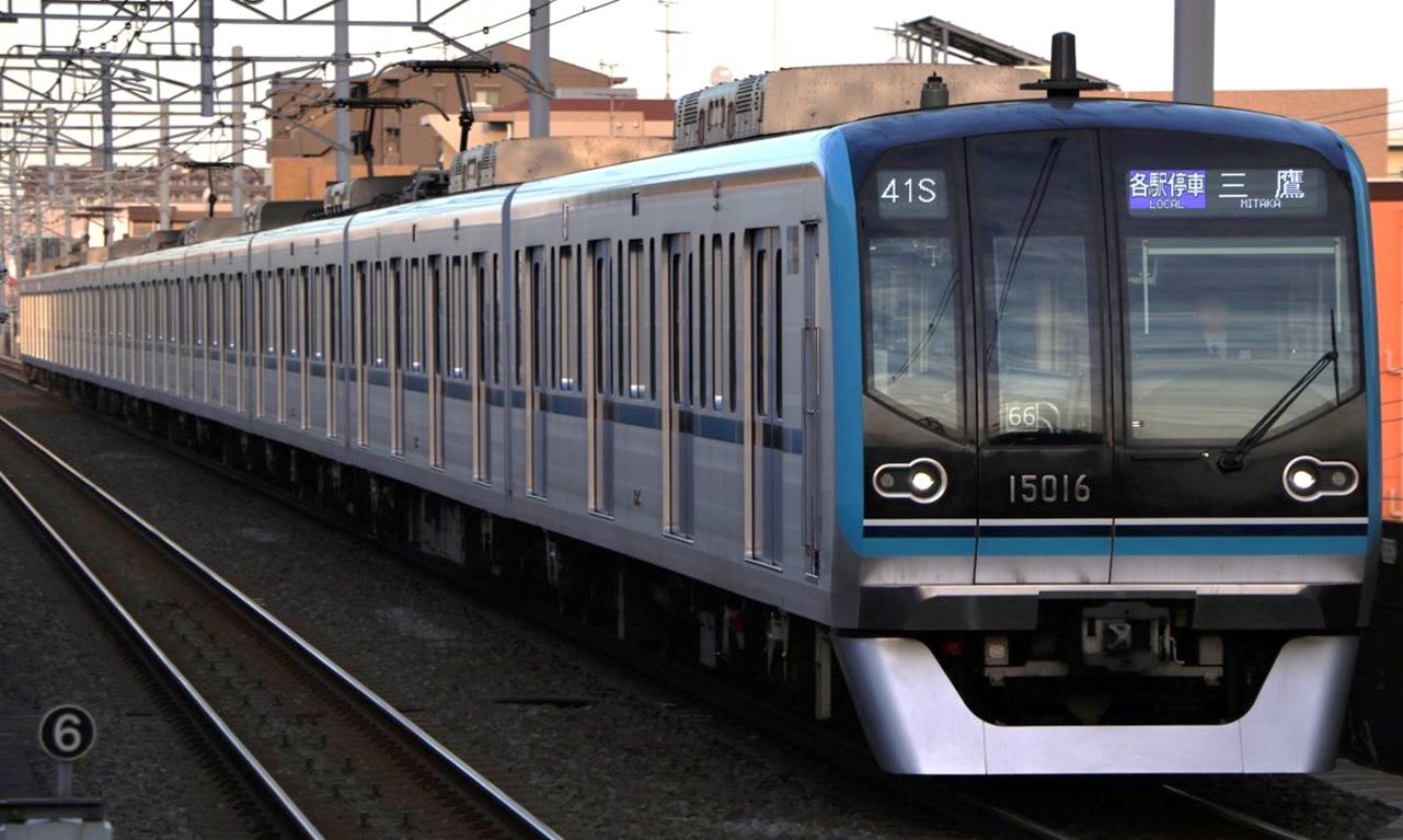 Tokyo_Metro_15000_Series_15116F_20181212.jpg