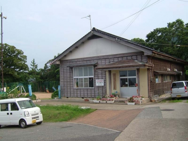 s-Amarube-e-school-Misaki.jpg