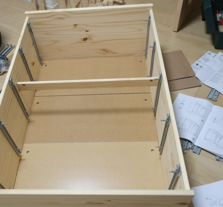 pine chest assemble (10)