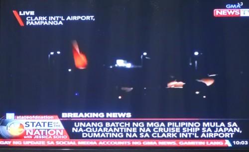 309 filipinos landing at clark air base (50)