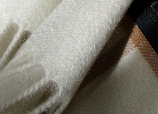 カシミヤストール白ウインドウペン (1)