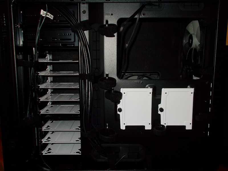 第 3 世代 Ryzen CPU(Zen 2) 自作 PC 組立、PC ケース Fractal Design Define R5 組み込み・セットアップ作業、Tigre Amore 面ファスナー 結束バンドコード 取り付け・交換