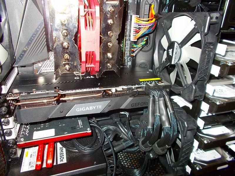 第 3 世代 Ryzen CPU(Zen 2) 自作 PC 組立、PC ケース Fractal Design Define R5 組み込み・セットアップ作業、ビデオカード MSI Radeon RX Vega 64 Air Boost 8G OC から GIGABYTE GeForce RTX 2070 SUPER GAMING OC 3X 8G 交換、ビデオカード垂れ下がり防止 長尾製作所 VGA サポートステイ L 自己粘着式 N-VGASTAY02-LONG 設置