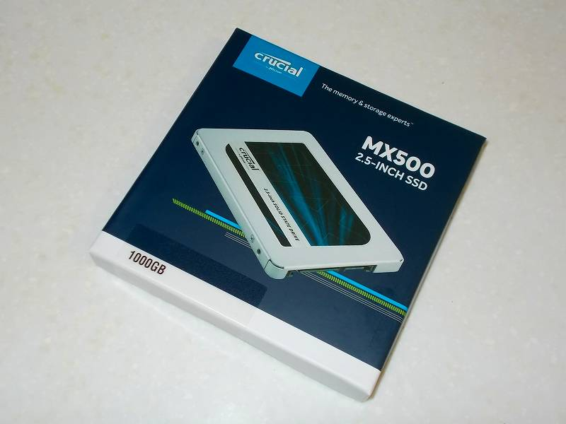 第 3 世代 Ryzen CPU(Zen 2)でこだわりの自作 PC を構成!PC パーツ購入編、第 3 世代 Ryzen CPU(Zen 2) 自作 PC メインパーツ構成リスト、SSD(SATA) Crucial SSD MX500 CT1000MX500SSD1JP 1TB 購入