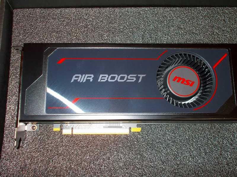 第 3 世代 Ryzen CPU(Zen 2)でこだわりの自作 PC を仮組!テストベンチ動作確認編、ビデオカード MSI Radeon RX Vega 64 Air Boost 8G OC を マザーボード GIGABYTE X570 AORUS PRO rev.1.0 の PCI Express x16 スロットに装着