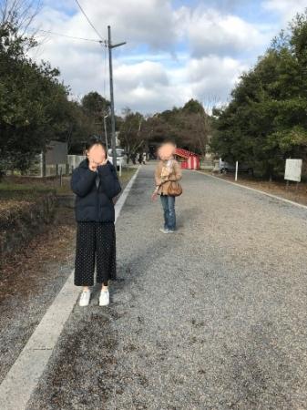 中山神社・参道、娘