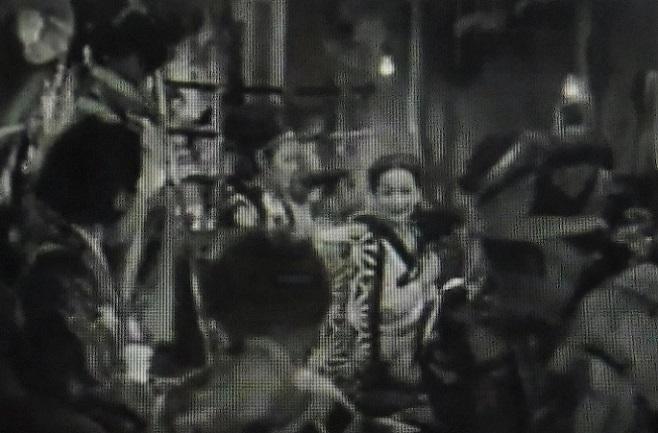 9 「見せ物王国」松井稔監督1937年