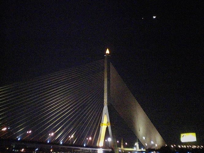 4 09.1.3チャオプラヤー川夜景 (22)