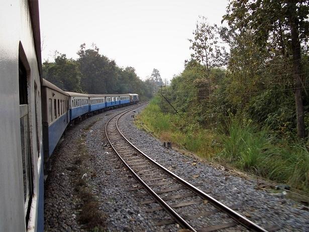4 チェンマイ列車の旅2 039 (2)