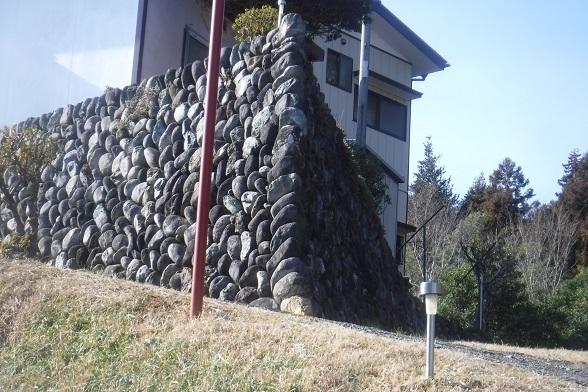 8 202.8 鋭角の石垣