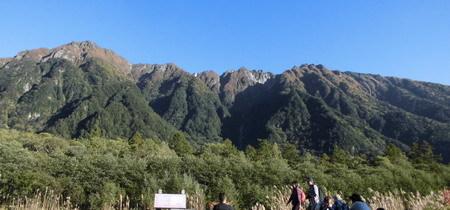 穂高に隠れた2千メートル級山々