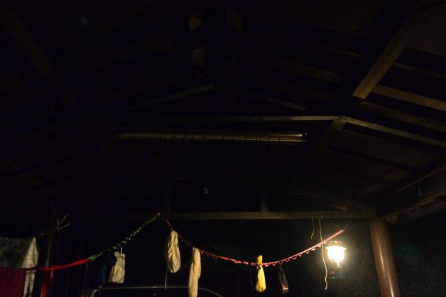 何がなんでもキャンプだし https://campdaisuki.blog.fc2.com/ せせらぎ荘 キャンプ場 東屋 サイト