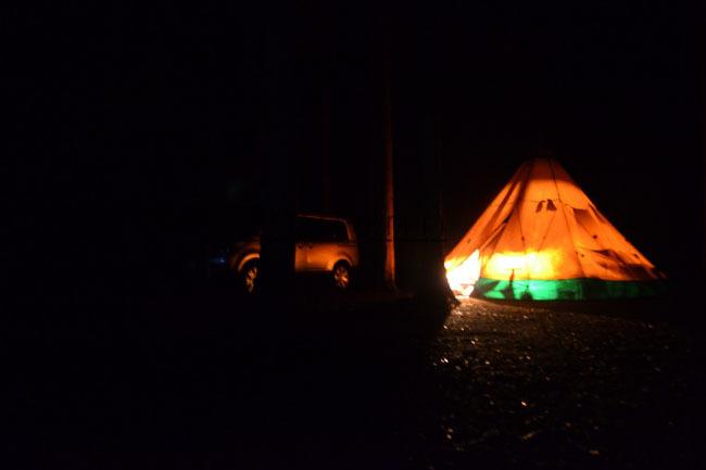 何がなんでもキャンプだし すげのレジャー 焚火台 薪ストーブ Ujack アイアンストーブ ちび テンマク