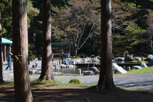 何がなんでもキャンプだし すげのレジャー 管理釣り場 ホットドッグ マス釣り 高校生 父子キャンプ 釣果 ムニエル バター まずめ時