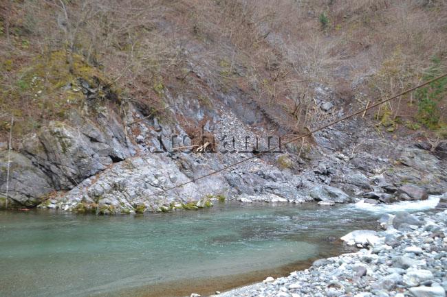 何がなんでもキャンプだし 久保キャンプ場 KB 台風 被害 道志川 ターザンロープ 土砂 堆積 サイト 崩壊