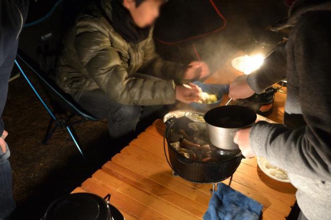 何がなんでもキャンプだし すげのレジャー ちゃんご鍋 炊飯 より道の湯 充電 温泉 サウナ ダッチオーブン 冬キャンプ 都留市