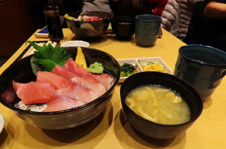 マグロ丼-492
