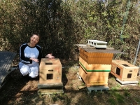 今年から養蜂部へ参加のM・Yさん♪(20200311)
