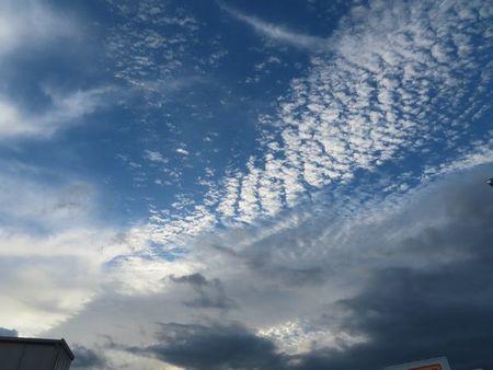 001秋の雲