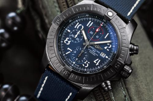 PH8_avenger-chronograph-48-night-mission-1_convert_20191207190056.jpg