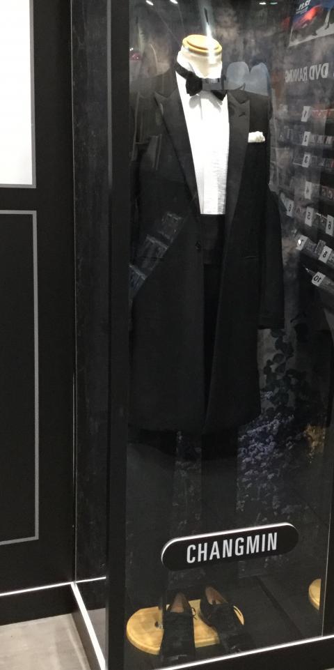 191019SHIBUYATSUTAYAパネル・衣装展