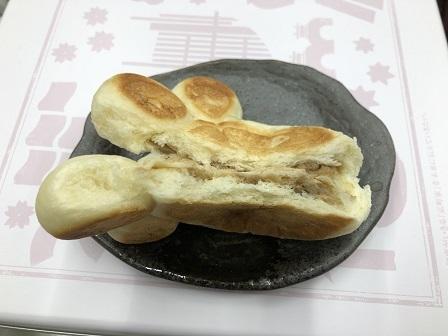にくきゅうパン1