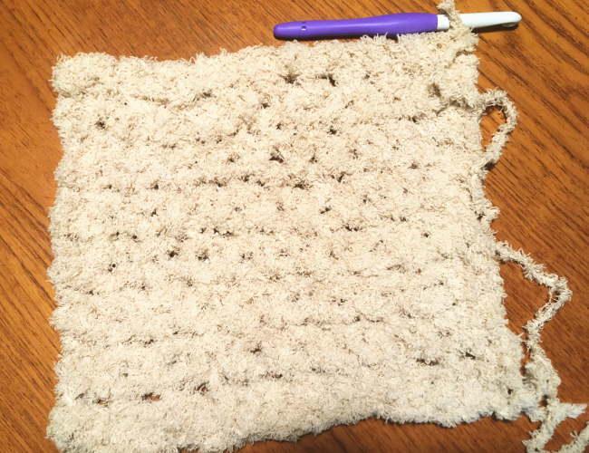 かぎ針編み初心者さん簡単もふもふ毛糸でスヌード4