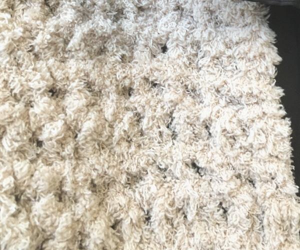 かぎ針編みもふもふ毛糸でスヌードもふもふ