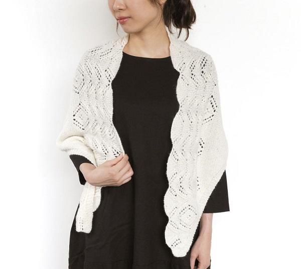 輪針ショール無料編み図ソノモノロイヤルアルパカ透かし編みの三角ショール