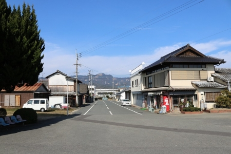 駅前の通り