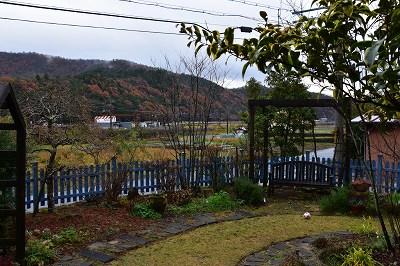 1191202雨上がりの庭 1