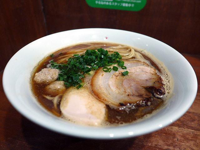 大東本店 麺や而今@05あっさり清湯醤油 芳醇醤油鶏そば(並) 1