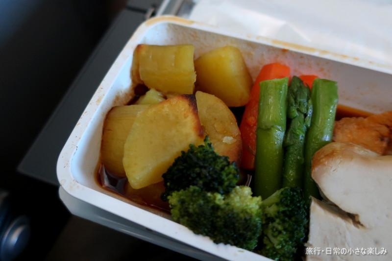 SQ620 クリスマス 機内食