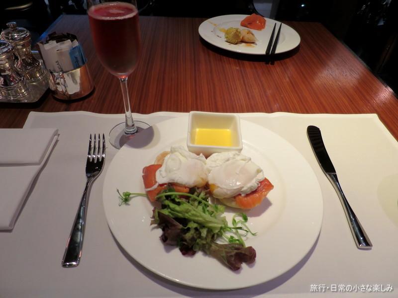 香港空港 ファーストクラスラウンジ ウィング 朝食