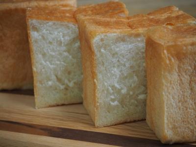 P_studiomimosaふんわり食パン