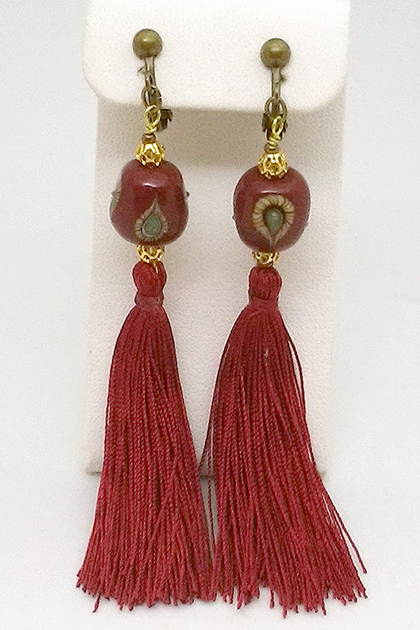 tassel-red2.png