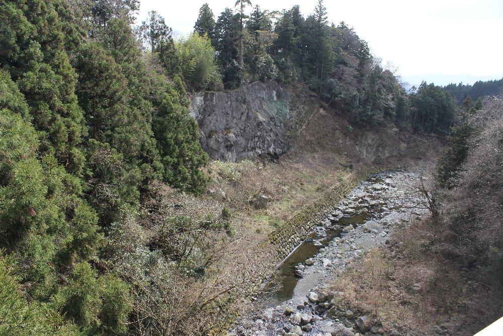 狩宿大橋からの芝川