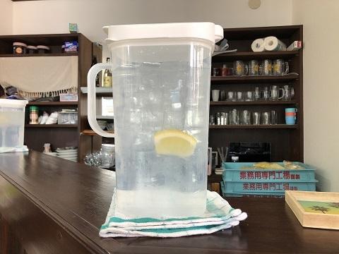 味斗レモン水