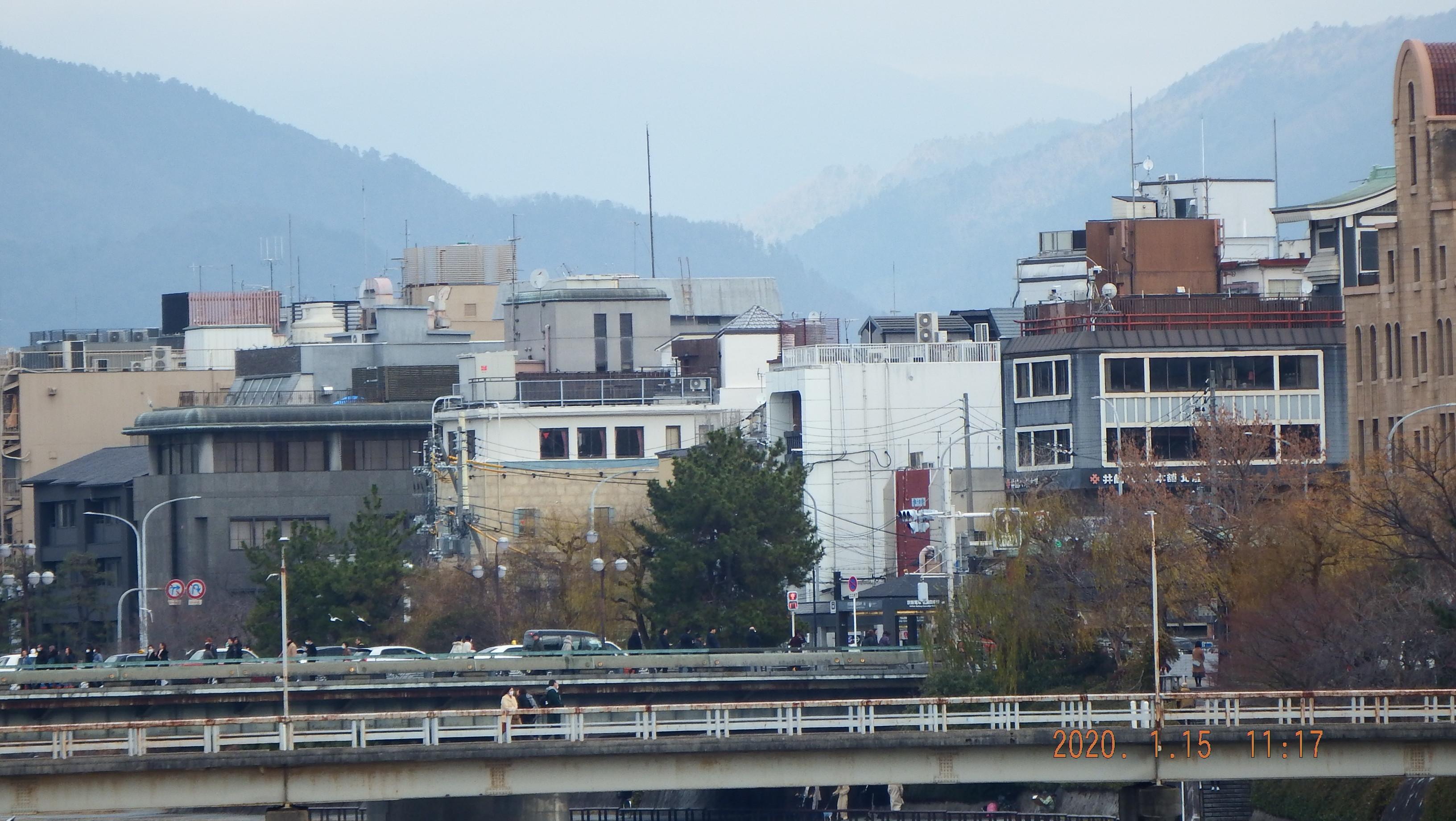 20011503.jpg