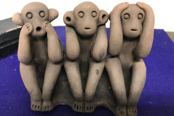 「見よう・言おう・聞こう」の三猿、熊本のもっこす猿