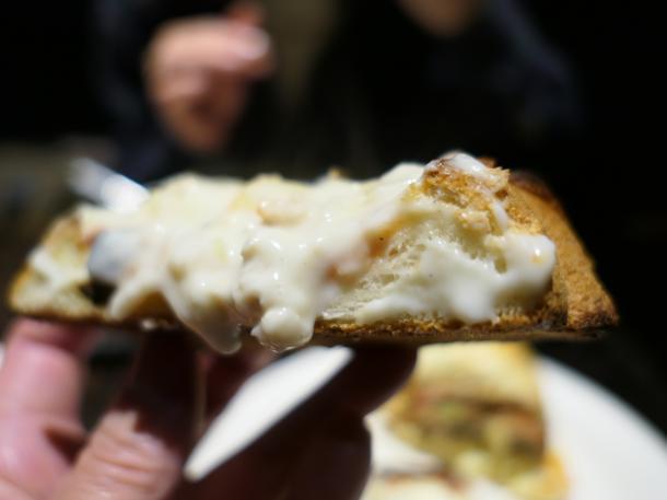 ぷりぷりエビ&チキンのホワイトソースとろけるチーズのオーブンこんがり焼き