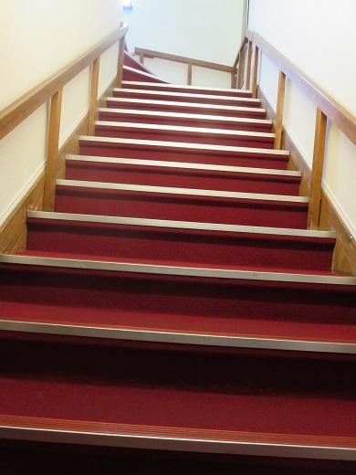 健脚向けの部屋はこの階段を上る