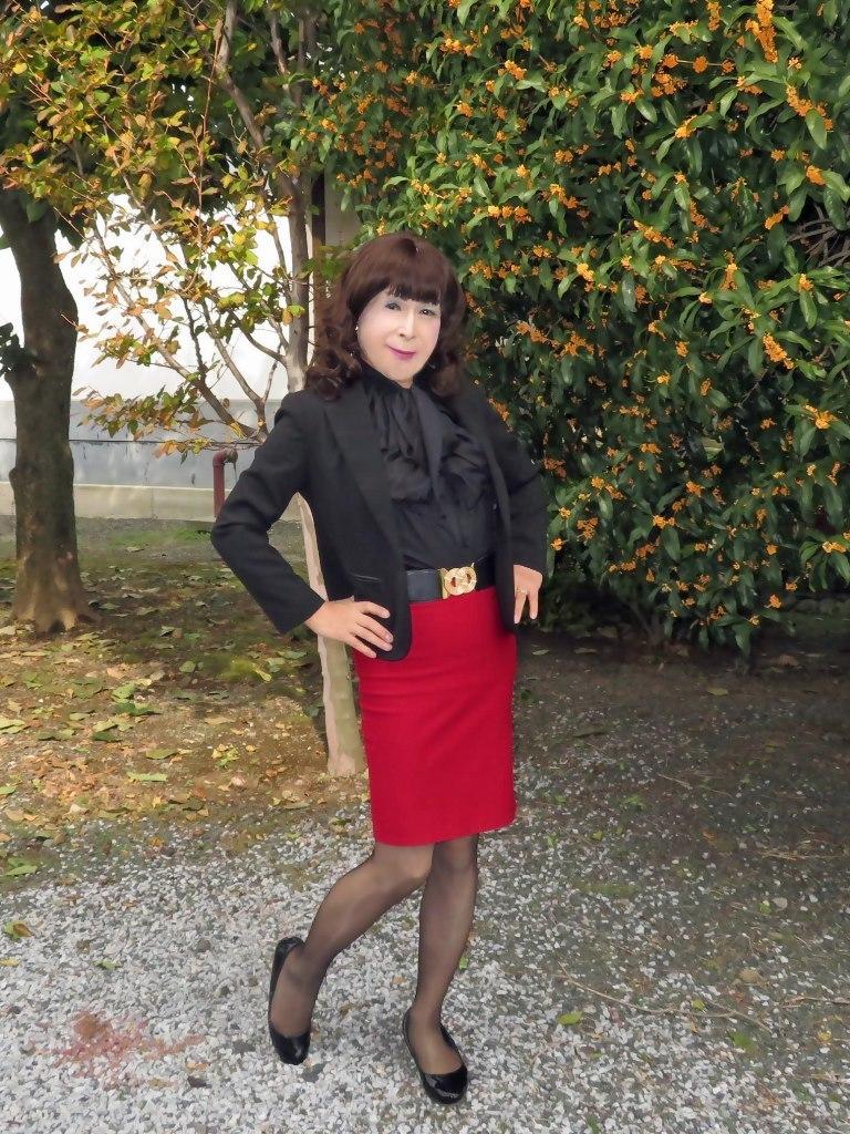 黒ジャケット赤タイトスカートC(7)