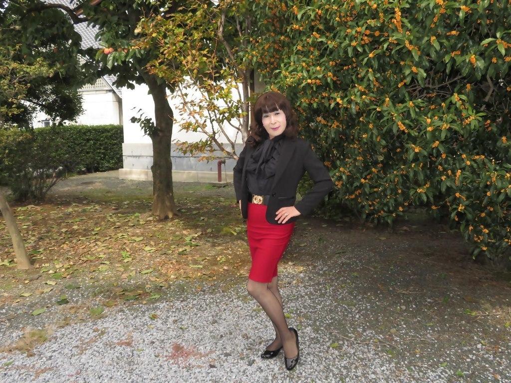 黒ジャケット赤タイトスカートC(8)